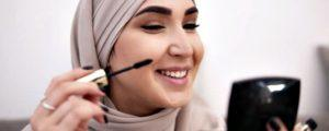 Memilih daftar kosmetik halal juga ada kriterianya.