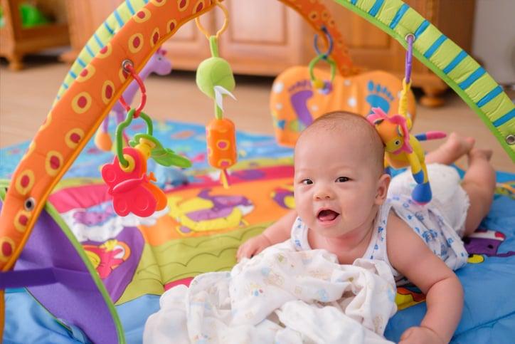 tahap perkembangan bayi 3-6 bulan