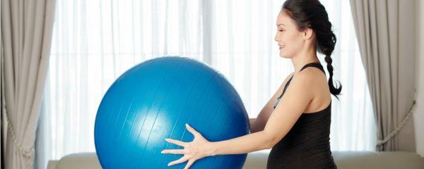 manfaat dan cara menggunakan gym ball untuk ibu hamil