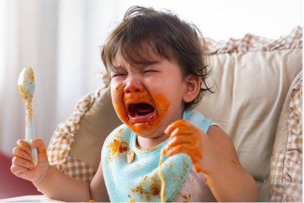 Tantrum pada Bayi: Penyebab, Cara Mengatasi & Mencegah
