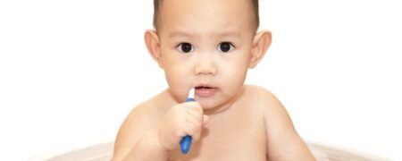 cara mengajarkan anak 1 tahun sikat gigi, cara mengajarkan anak sikat gigi, mengajarkan anak sikat gigi