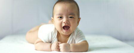 Apa itu Tummy Time? Ini 5 Manfaat Tummy Time Pada Bayi